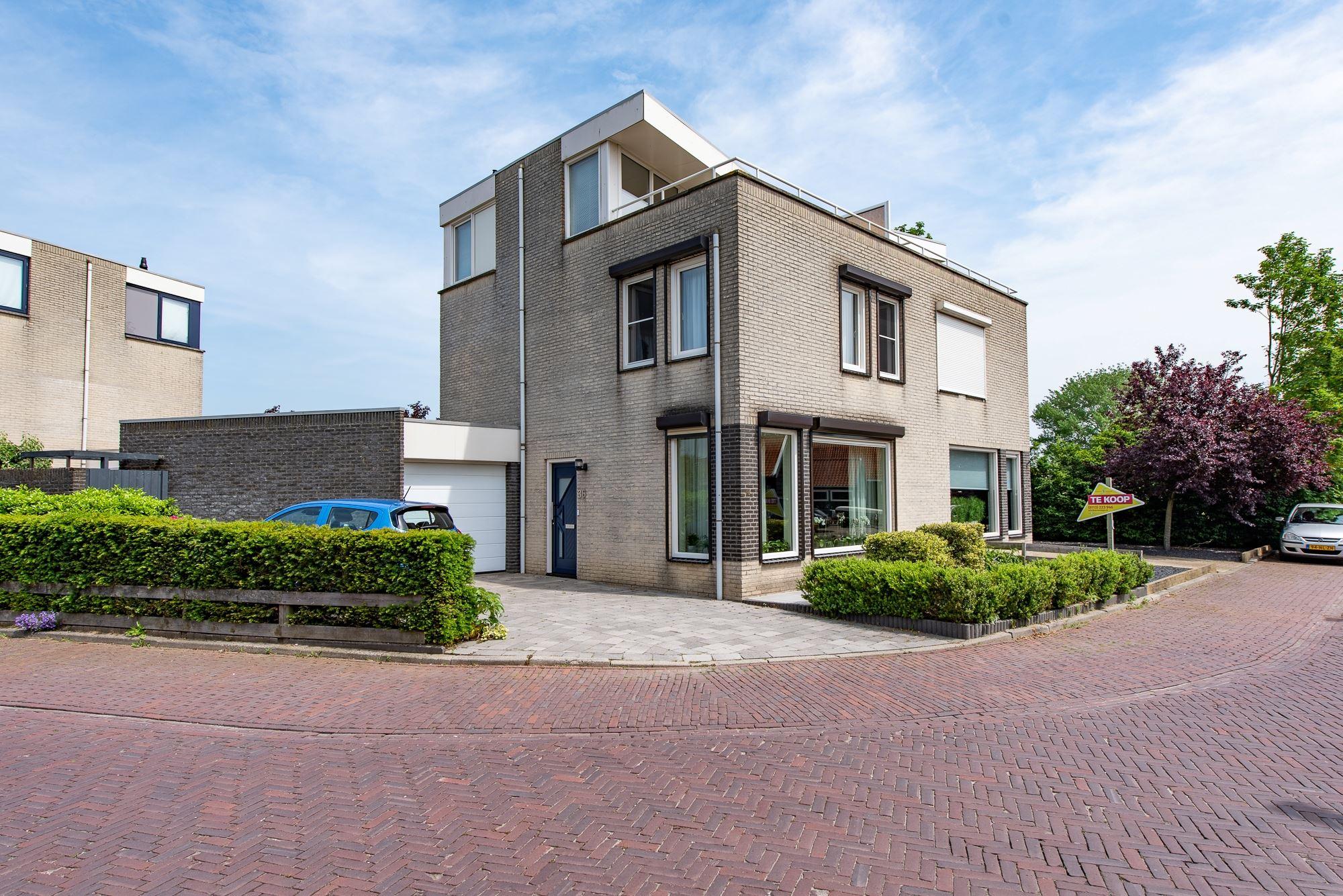 2-1 kap woning met garage succesvol aangekocht door AZ-aankoopmakelaars_1